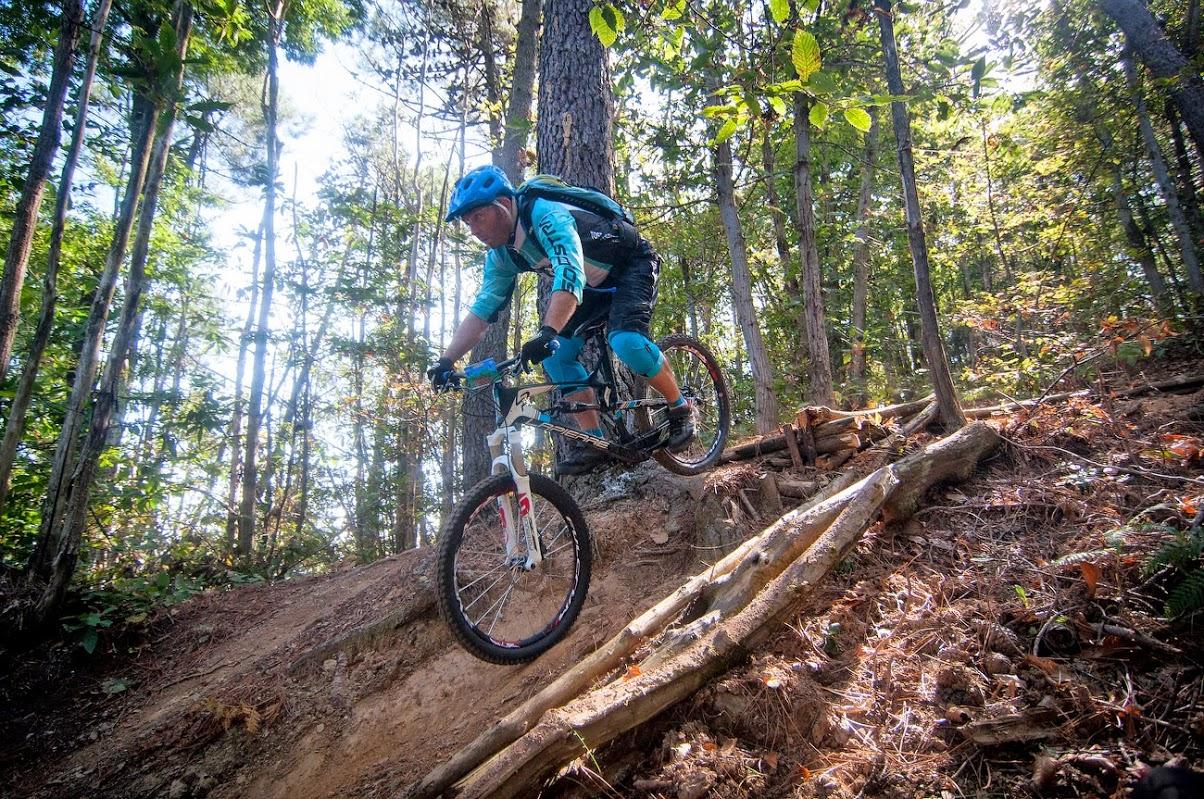 Advanced mountain bike tour in Tuscany
