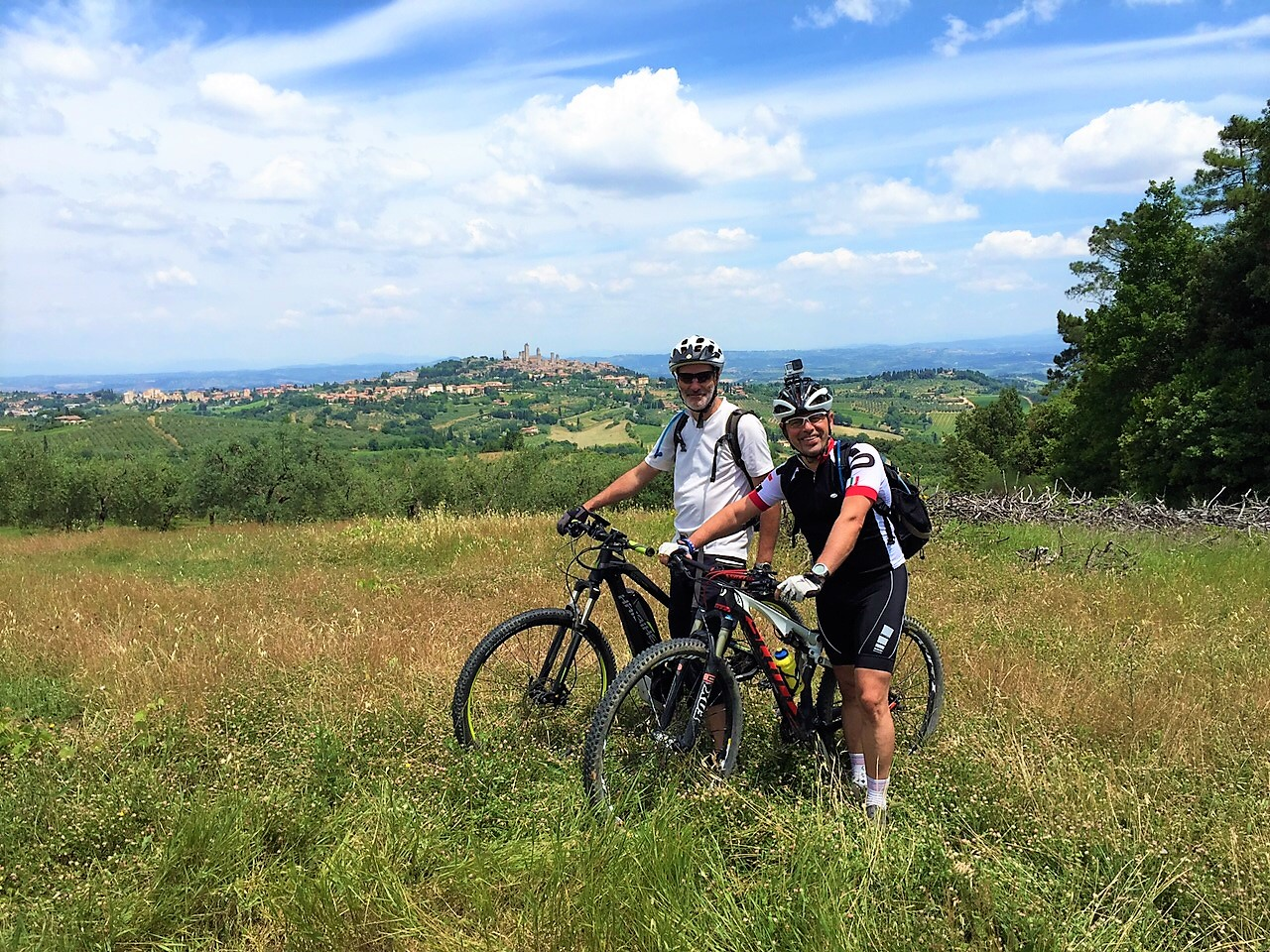 San Gimignano e-bike mountain bike tour view over the town